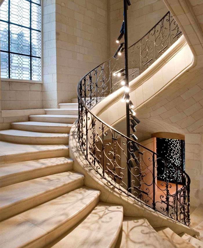 elegant-environment-staircase