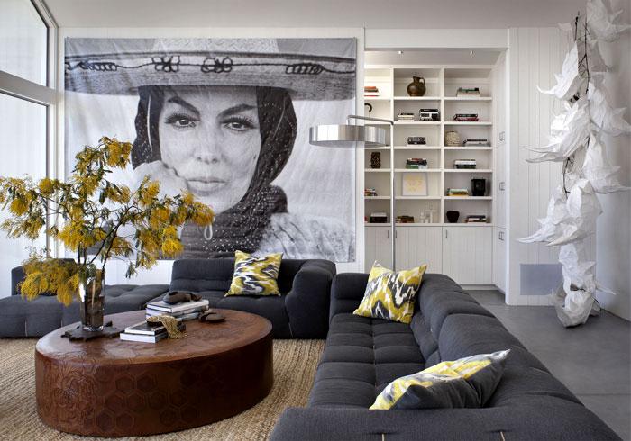 glass-barn-house-living-room