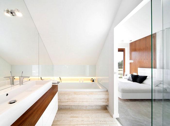 master-bedroom-bathroom
