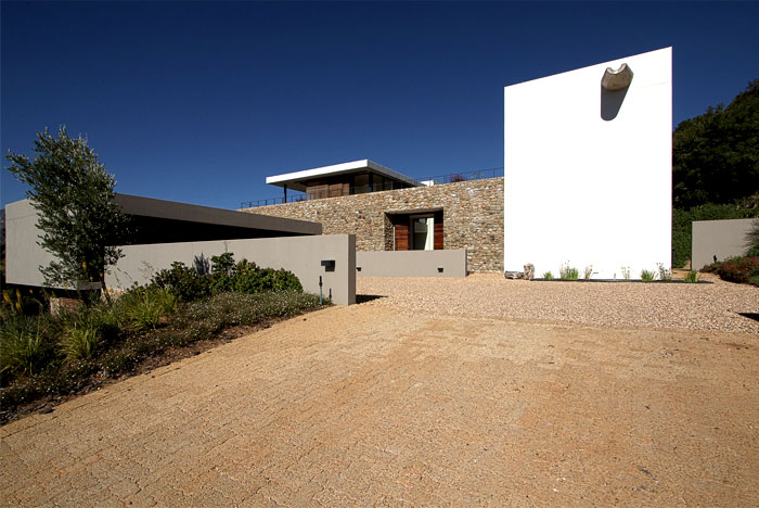 modern-interpretation-traditional-farmhouse-3