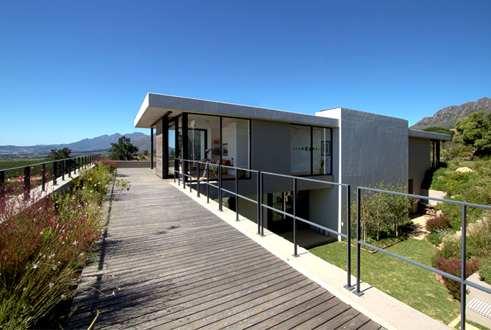 modern-interpretation-traditional-farmhouse