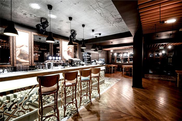 romanian-restaurant-warm-attractive-vintage-space