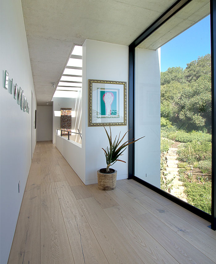 romantic-hillside-vineyard-villa-1