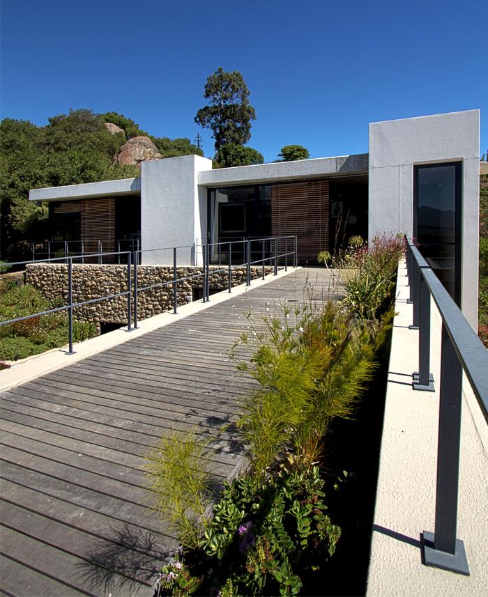 vineyard-villa-garage