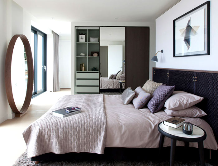 wardrobes-behind-beds-large-bathrooms