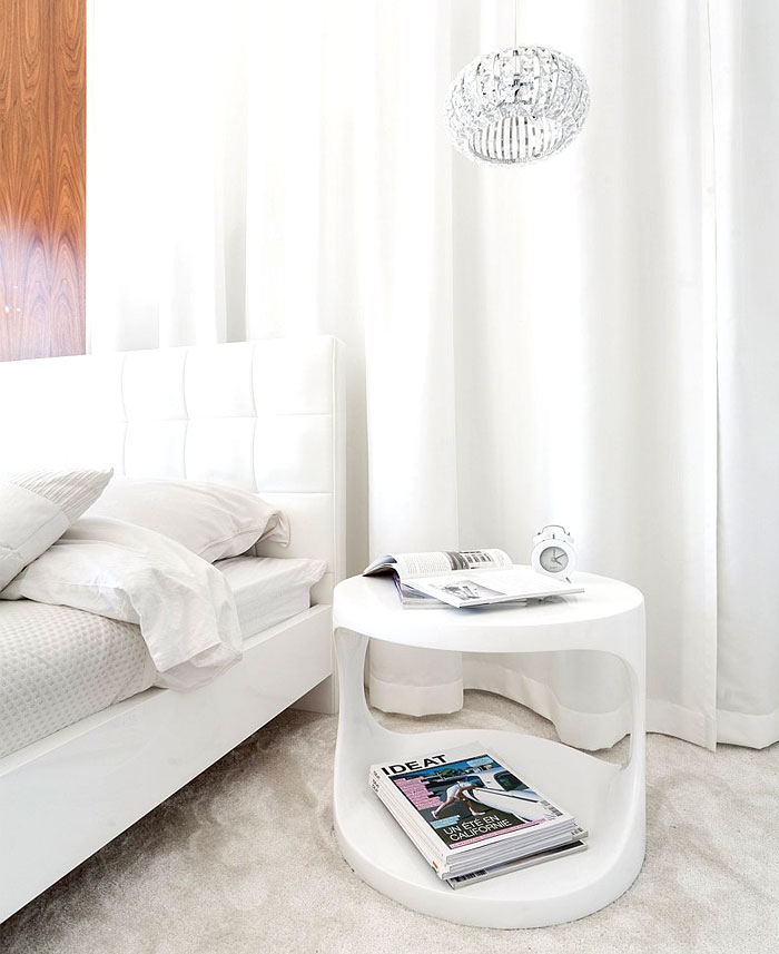 white-bedroom-designer-furniture-lamps