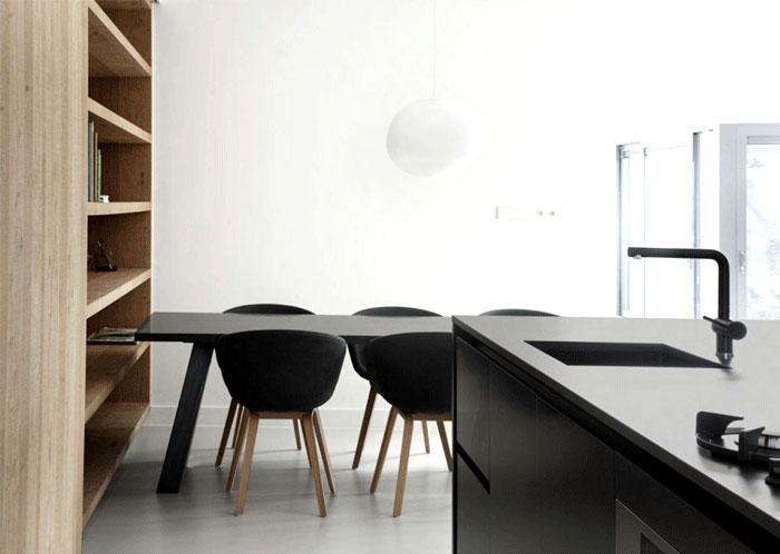 amsterdam-spacious-home-oak-kitchen-furniyure