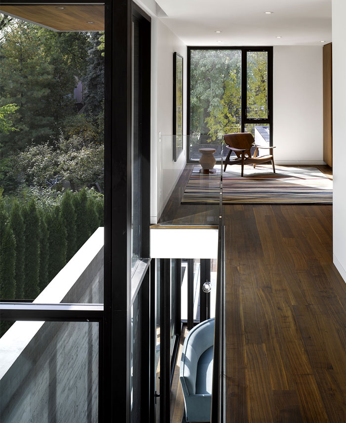 beautiful-american-black-walnut-cladding-furnishing