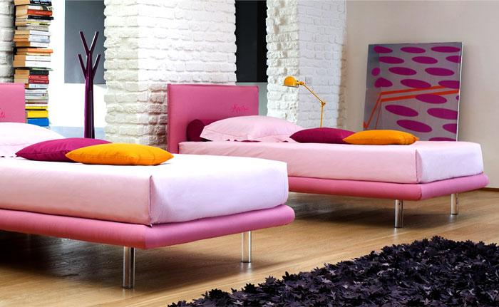 bedroom-fabrics-hot-tropical-colors