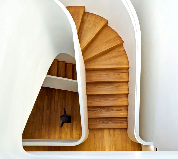 dramatic-spiral-staircase