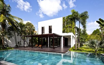 green-simple-lined-modern-home-featured