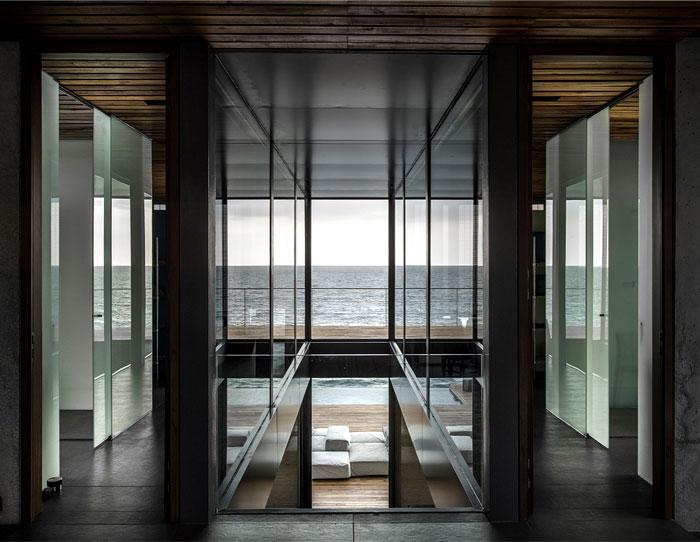 lebanon-villa-wooden-staircase