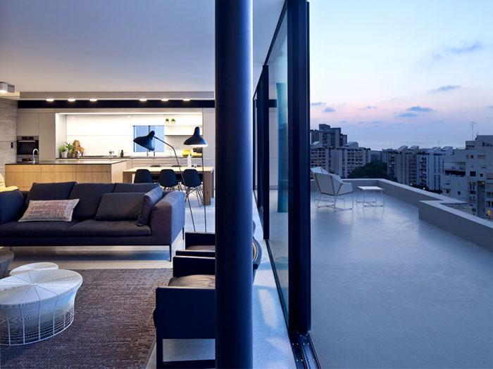 rooftop-apartment-overlooking-tel-aviv