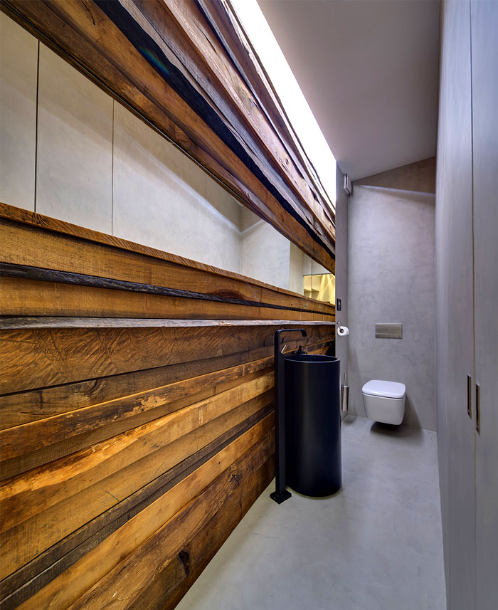 wooden-wall-bathroom