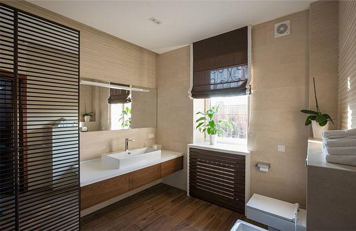 beige-and-dark-wood-bathroom