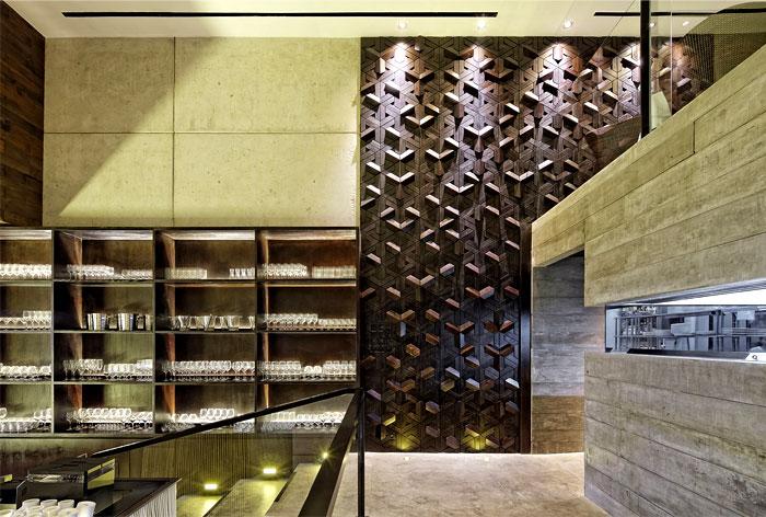 carpediem-restaurant-wooden-wall
