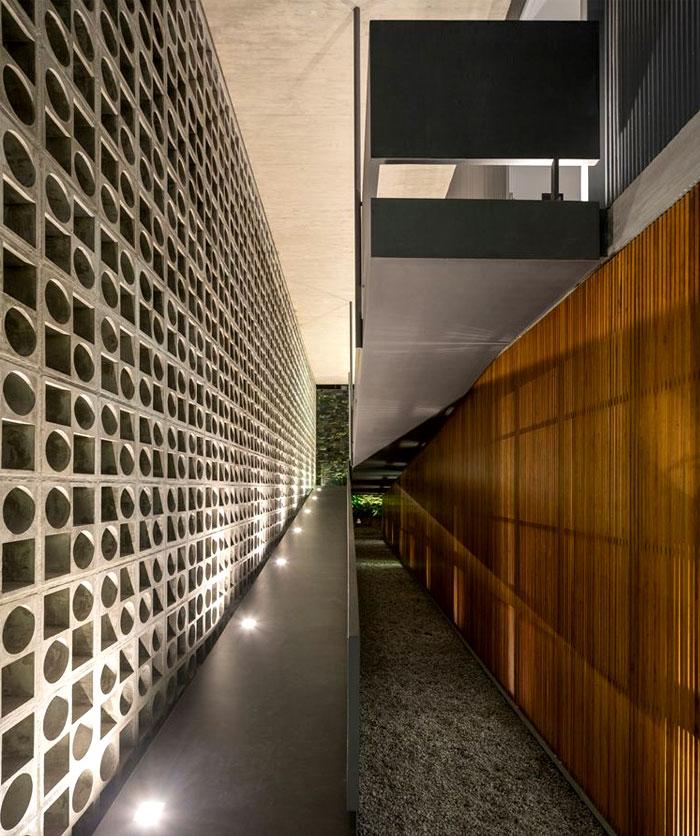 casa-b-b-concrete-wall