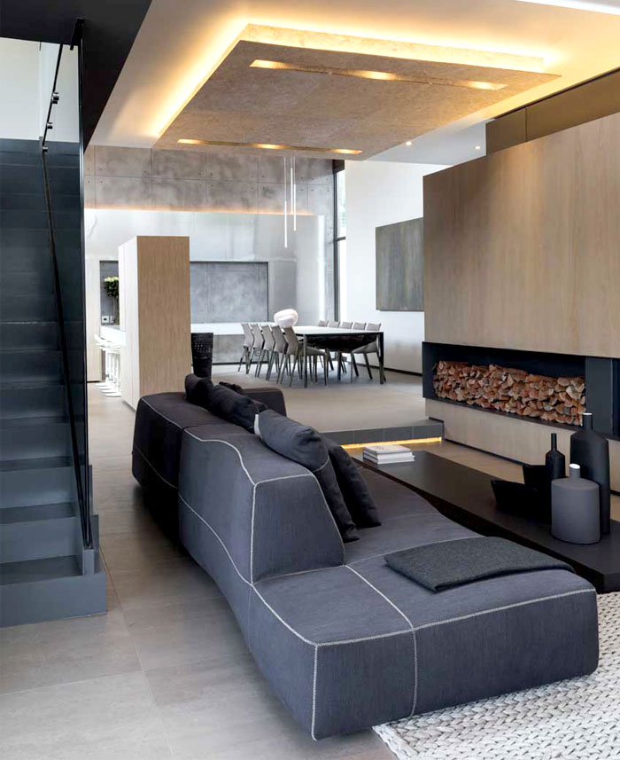 Modern Home that Emanates Luxury and Functionality ...