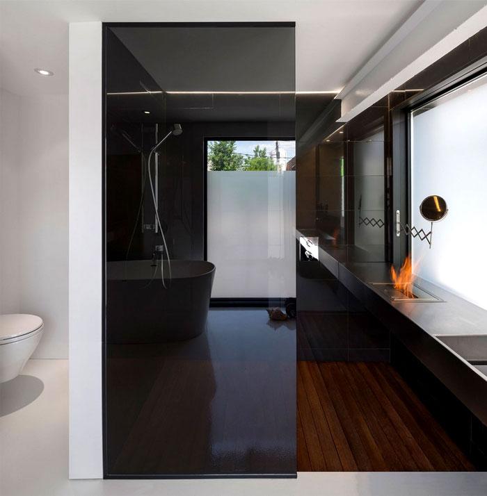 elegant-bathroom-interior