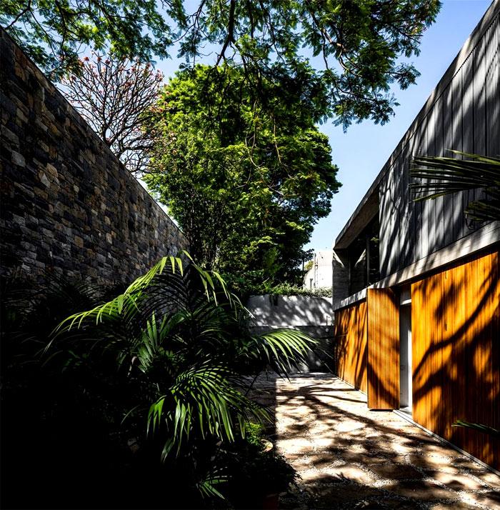 luxury-concrete-house-brazil-1