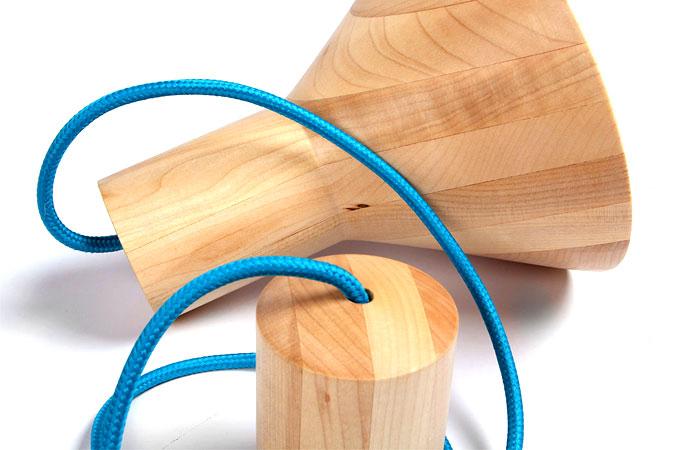 natural-maple-wood-antek-lamp-1