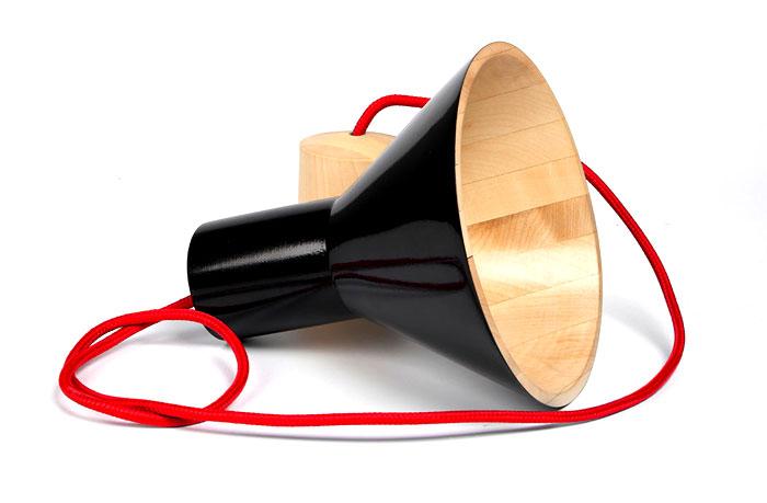 natural-maple-wood-black-antek-lamp