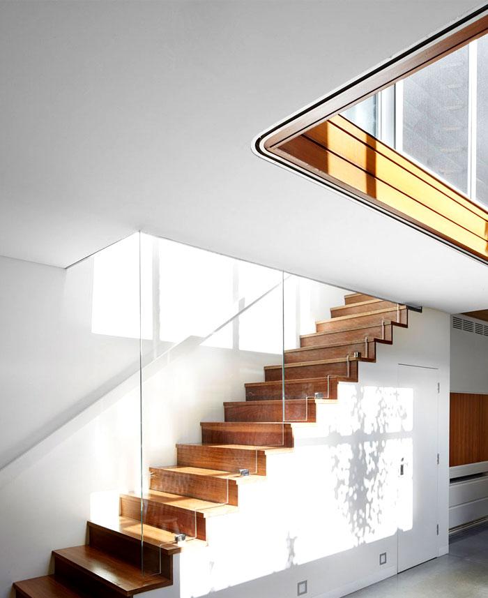 family-home-upper-floor-staircase