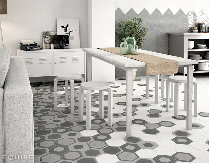 Hexagonal floor tiles by equipe ceramica interiorzine for Bisazza carrelage