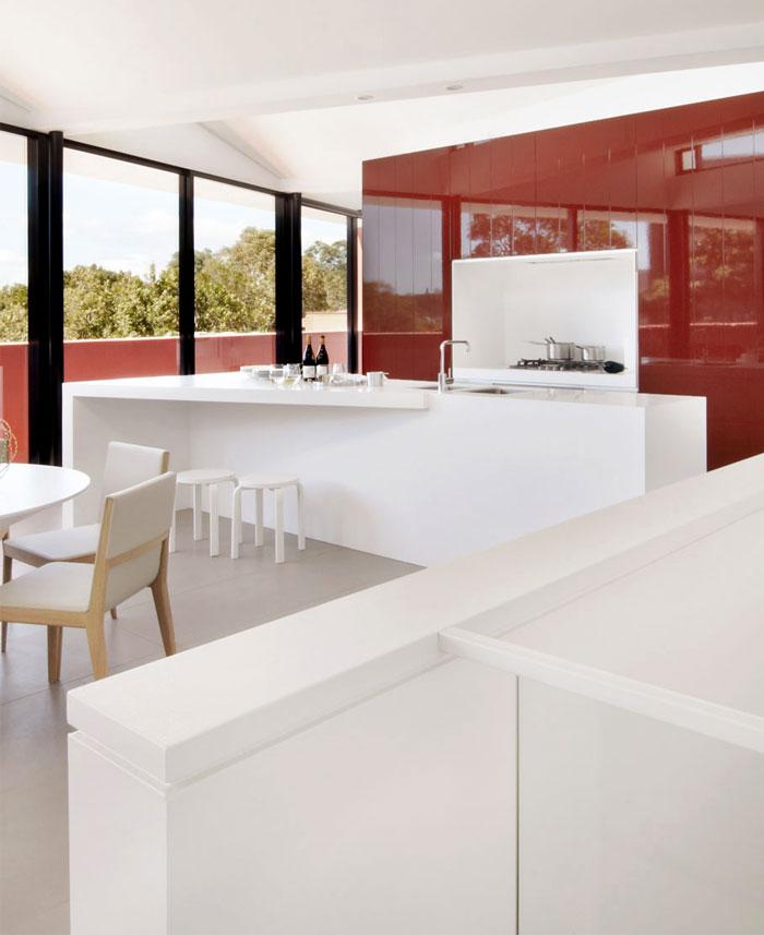 interior-elegant-triple-combination-white-black-marsala-color