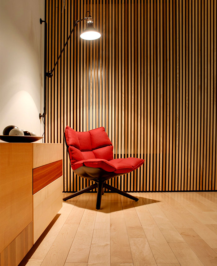moscow-apartment-red-chair