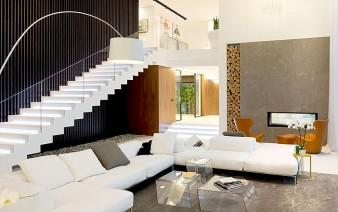 russian-villa-white-sofa-1