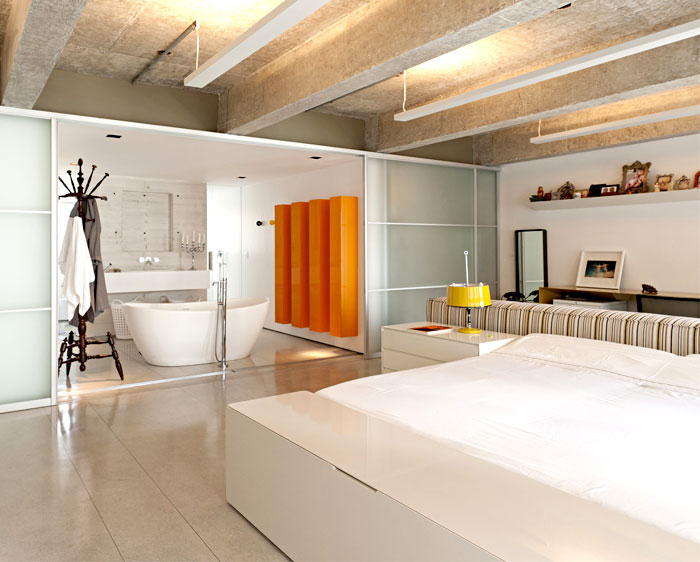 shiny-yellow-furniture-bathroom