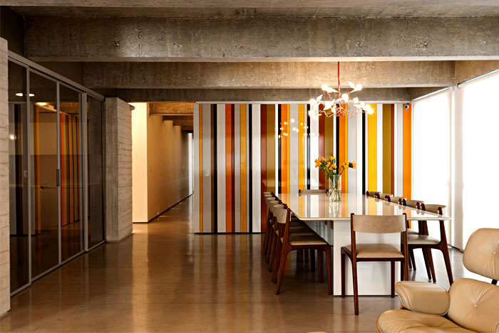 sunny-modern-apartment-dining-area