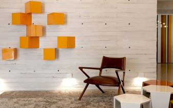 sunny-modern-apartment-living-room-1