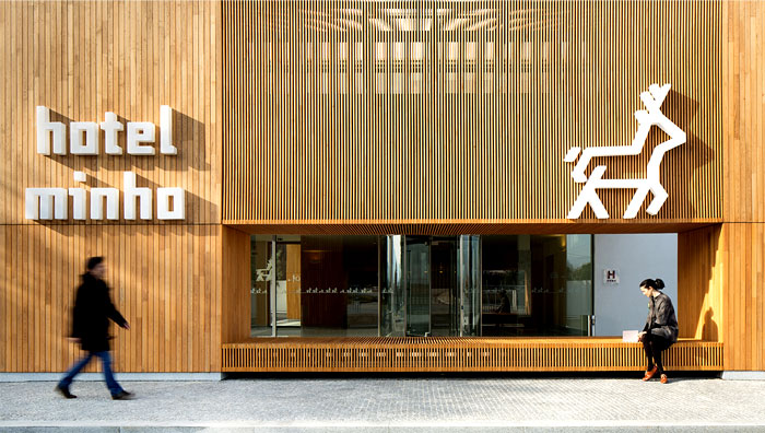 wood-applied-internally-externally-hotel-minho