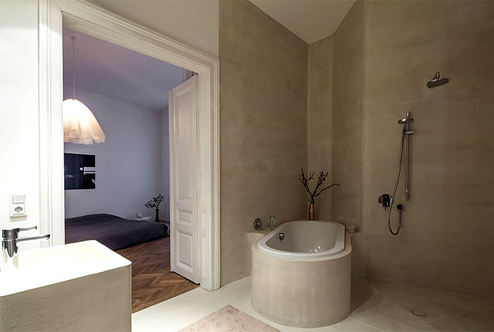beautiful-restored-apartment-bathroom-1