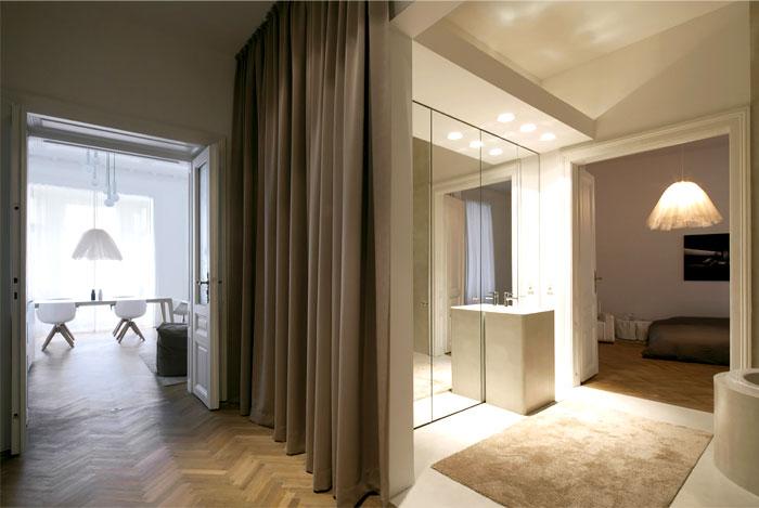 beautiful-restored-apartment-bathroom