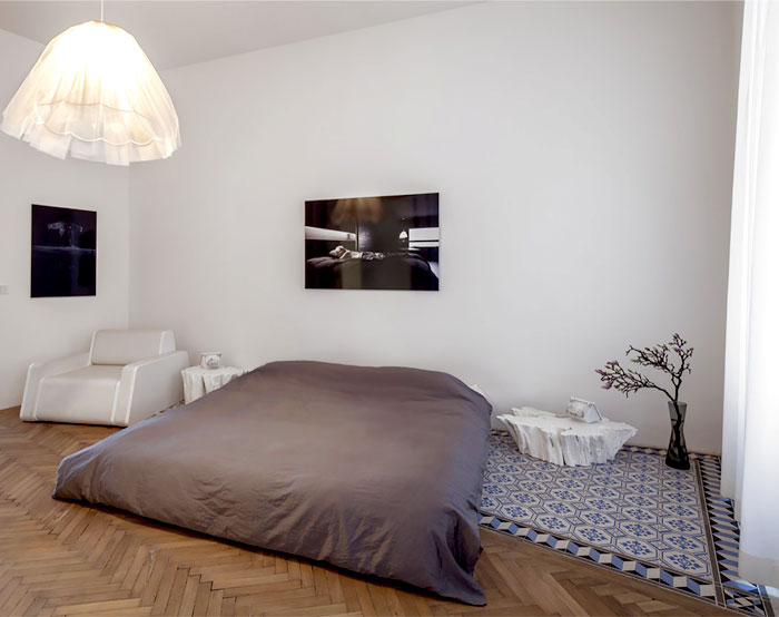 beautiful-restored-apartment-bedroom