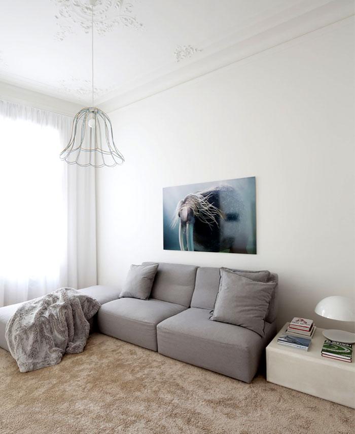 beautiful-restored-apartment-living-room