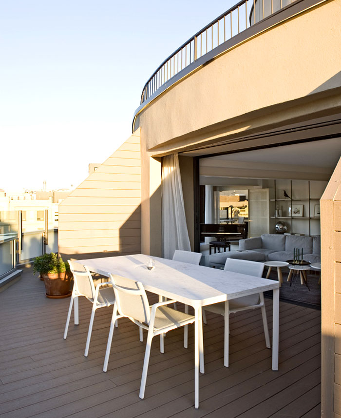 charming-terraces-dining-area