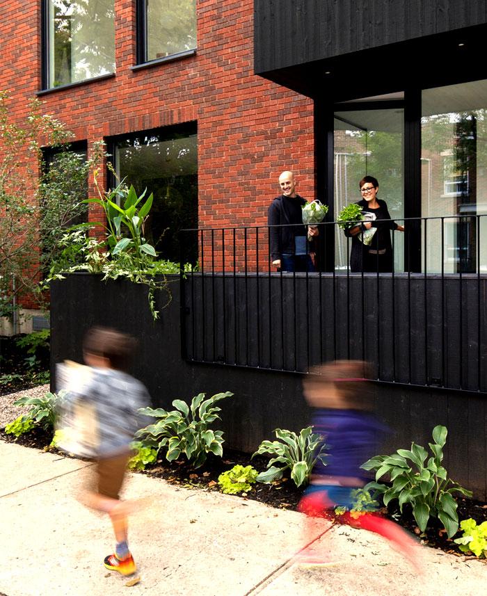 dynamic-contemporary-facade