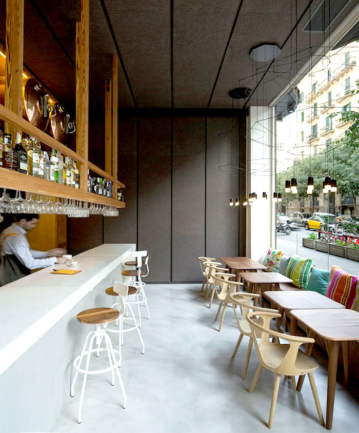 Barton restaurant interior interiorzine for Eclectic restaurant
