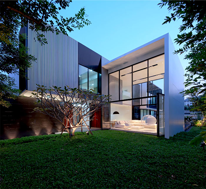 Square Modern Style House In Bangkok InteriorZine