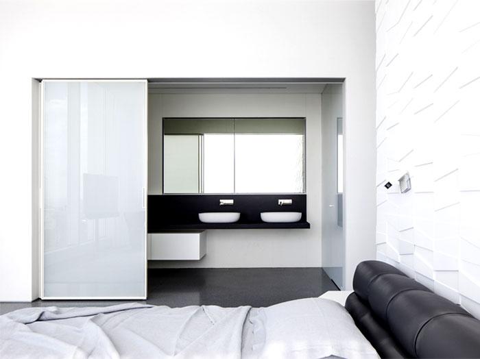 white-monochromatic-bedroom