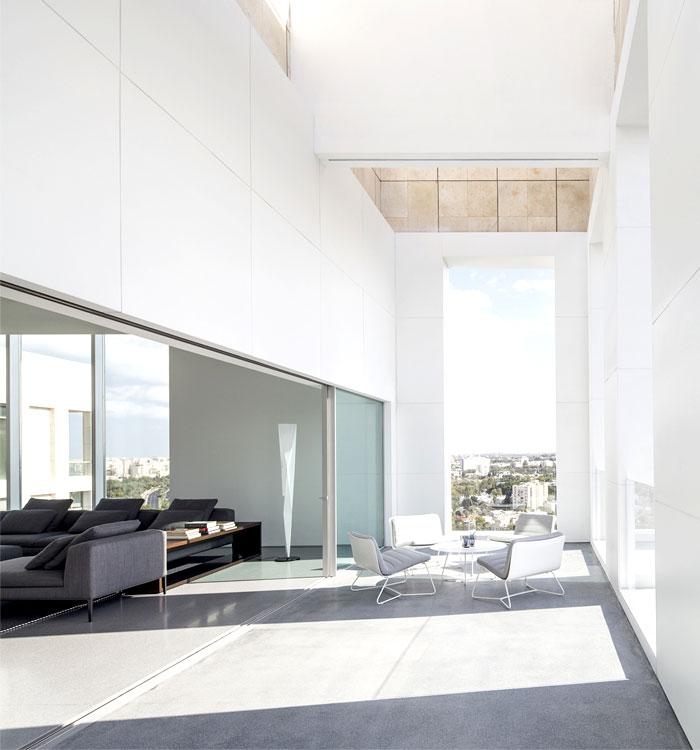 white-monochromatic-terrace-1