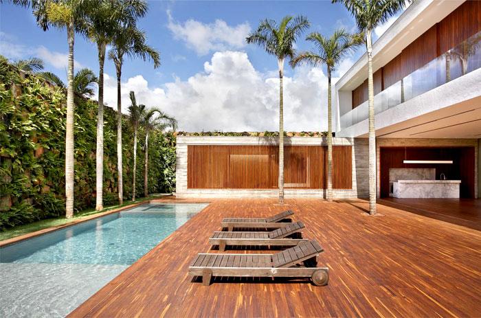an-house-wooden-deck
