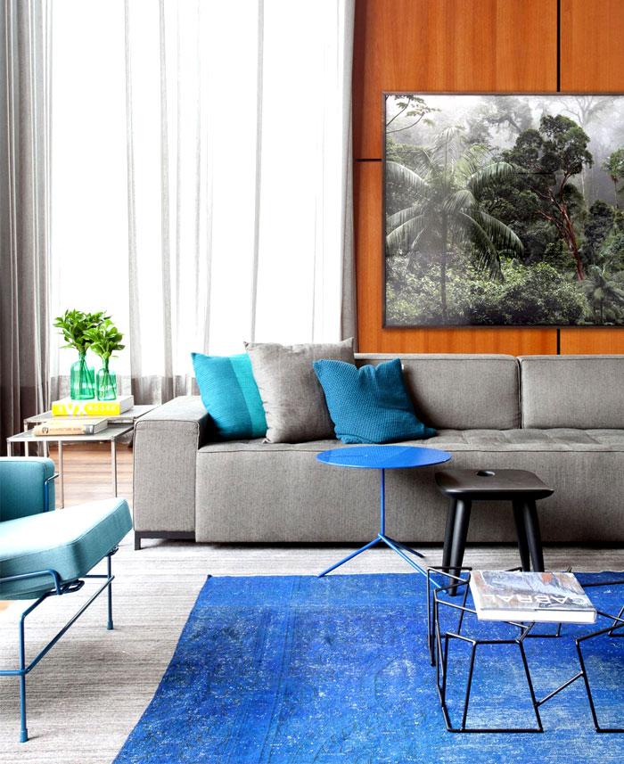 blue-color-rug-decor