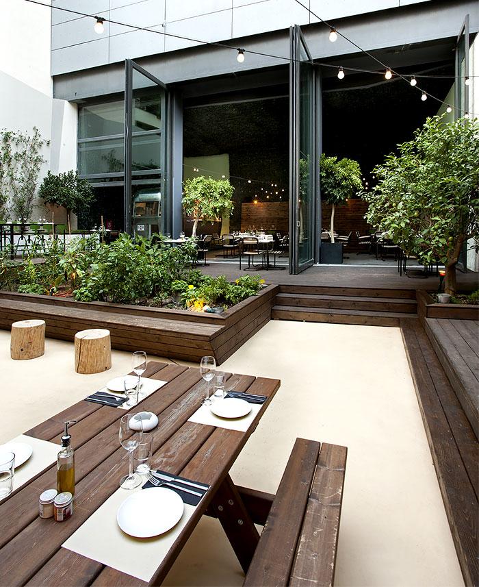 Urban Garden Restaurant in Athens - InteriorZine