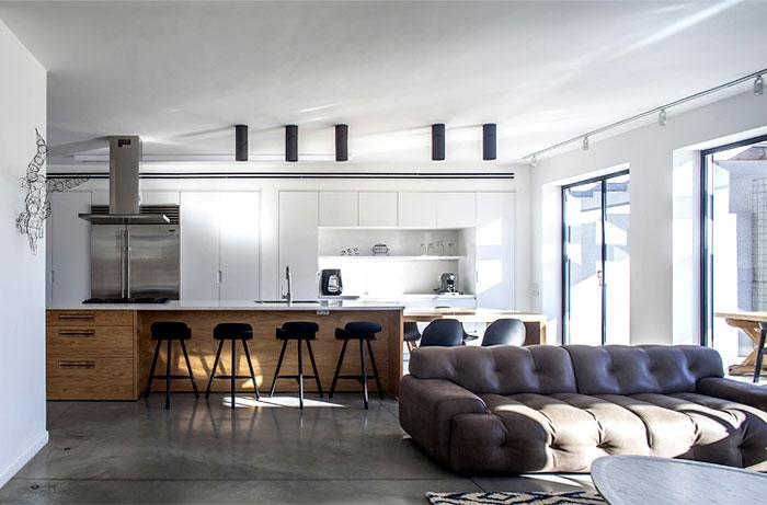 spacious-kitchen-living-areas