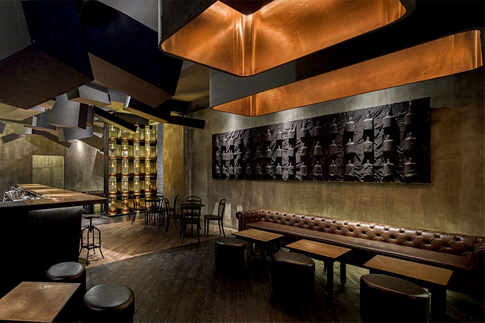 dark-moody-colors-shanghai-lounge